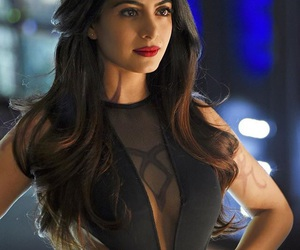 shadowhunters, isabelle lightwood, and emeraude toubia image