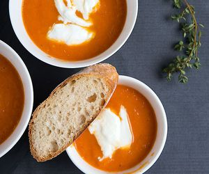 soup and bread image