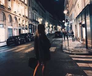 girl, city, and night image