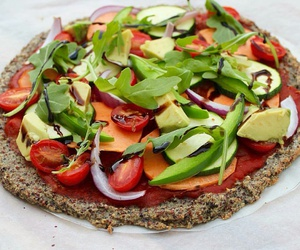 healthy, pizza, and yum image