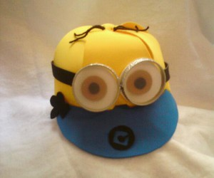 caps and minions image