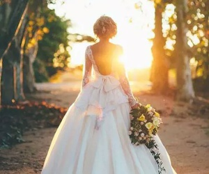 back, mariage, and robe image