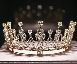 beautiful, crown, and Queen image