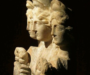 goddess, hecate, and hekate image