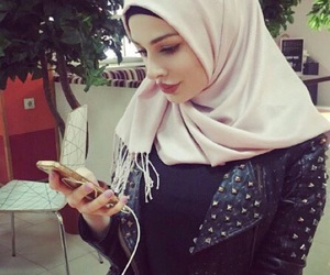 hijab, iphone, and chechenka image