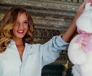 rosie huntington-whiteley, transformers 3, and dark of the moon image