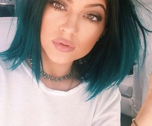 white t-shirt, light brown eyes, and kylie jenner image