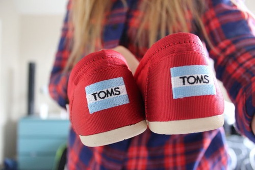 toms, shoes, and quality image