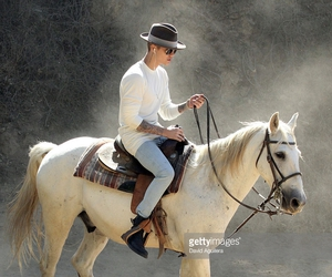 justin bieber and horse image