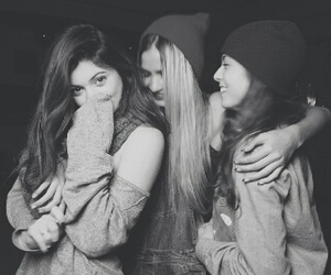 girls, kylie jenner, and friends image