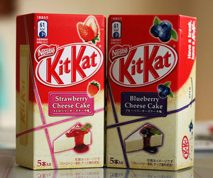 food, kitkat, and strawberry image