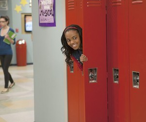 china anne mcclain and a.n.t farm image