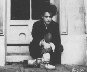 robert smith, the cure, and black and white image