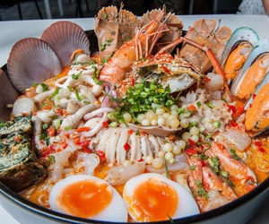 food, noodle, and seafood image