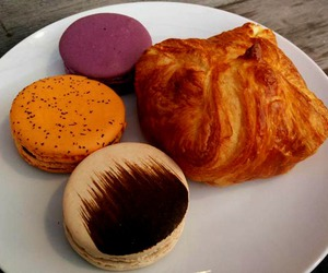 breakfast, croissant, and chef image