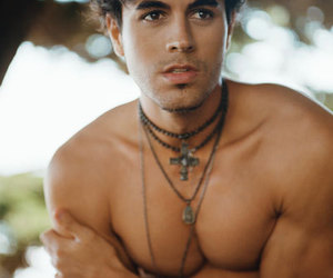enrique iglesias, naked, and Hot image