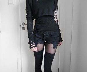 black, goth, and grunge image