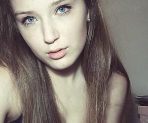 blonde, blueeyes, and eyeliner image