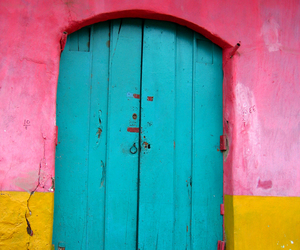 colors, door, and yellow image