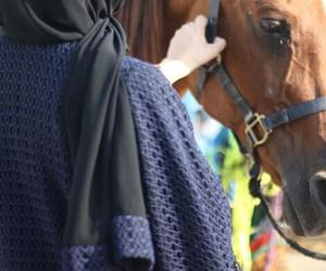 arab, hijab, and emaratiyah image