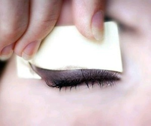 Easy, eye liner, and hack image