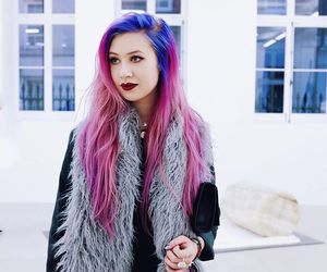 dyed hair, kawaii, and pinkhair image