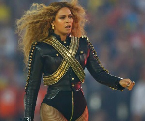 mrs carter, super bowl 50, and beyoncé image