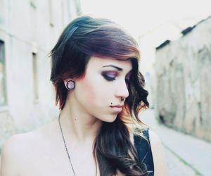 girl, evie parazite, and piercing image