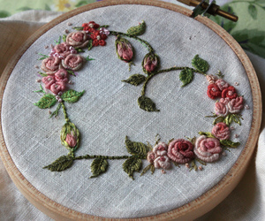 <3, embroidery, and pretty image