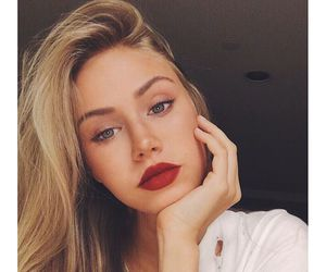 makeup, blonde, and beauty image