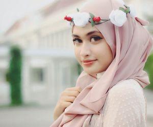 girl, islam, and hijab image