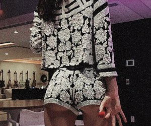 look and kendall jenner image