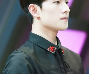 handsome and yangyang image