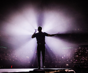 amsterdam, dan reynolds, and concert image