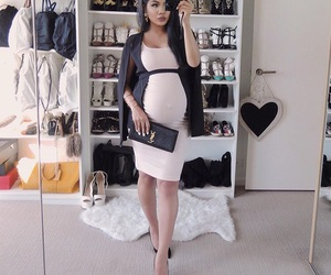 outfits, pregnant, and pregnant outfits image