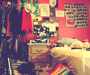 room and messy image