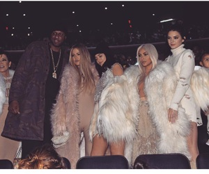 kim kardashian, khloe kardashian, and jenner image