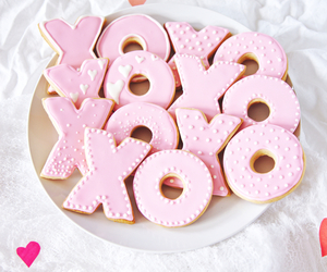 food, Cookies, and pink image