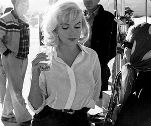 Marilyn Monroe, b&w, and vintage image