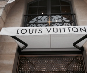Louis Vuitton, fashion, and shop image