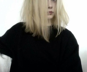 pale, girl, and grunge image