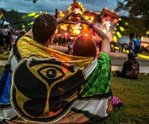tomorrowland, festival, and couple image