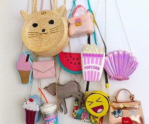 gold purse, cat purse, and shell purse image