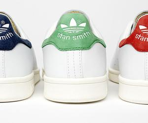 stan smith, adidas, and chaussure image
