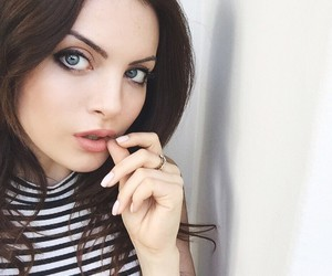 elizabeth gillies and perfect image