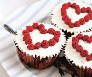 cupcake, love, and gift image