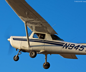 cessna and c152 image