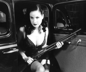 girls with guns and gorgeous image