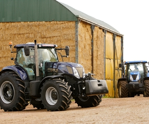 t7 and new holland image