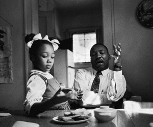 martin luther king, black and white, and daughter image